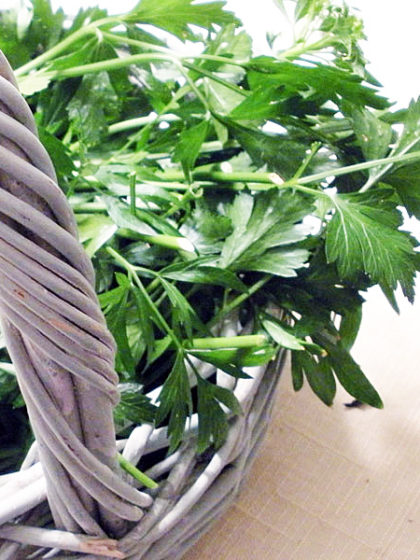 How to Freeze Parsley to Use Later