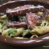Spinach Pesto Pasta with Portobello Mushrooms or Bacon