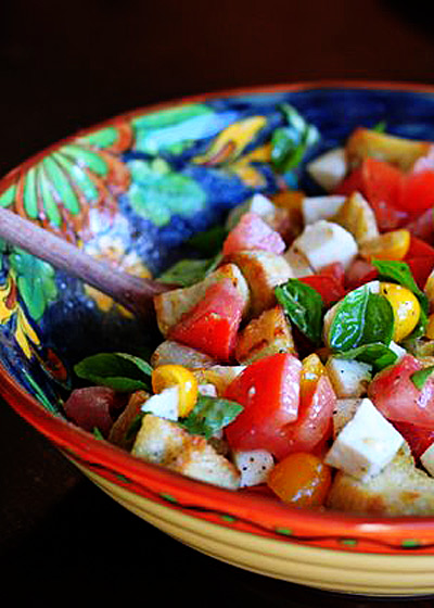 Caprese Panzanella - Fresh mozzarella and basil elevate the classic Italian bread salad to something even more special. Quite possibly the perfect vegetarian summer salad.