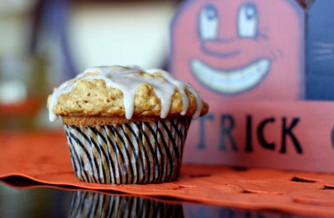 Glazed Maple Pumpkin Oat MuffinsPumpkin Oat Muffins