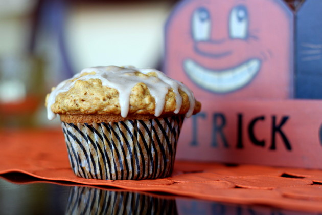 Maple Pumpkin Oat Muffins with Cinnamon-Maple Glaze - The moist spiced pumpkin muffins are made even more special with an irresistibly decadent glaze.