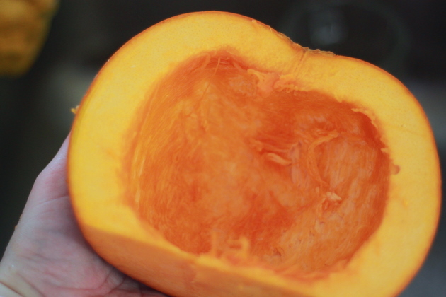 How to Make Your Own Pumpkin Puree