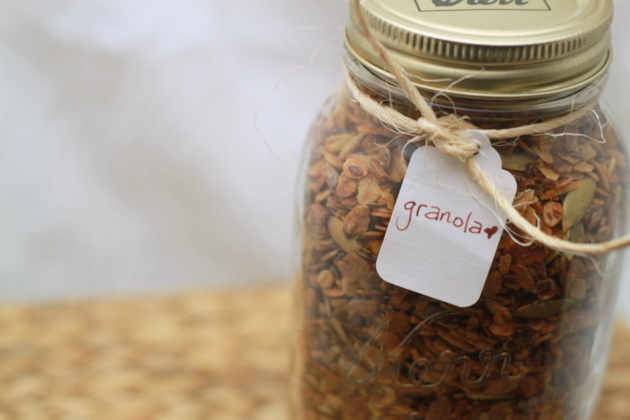 Homemade granola | Kitchen Treaty