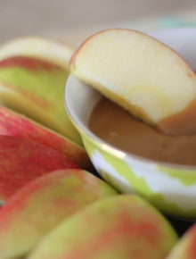 Easy Caramel Apple Dip