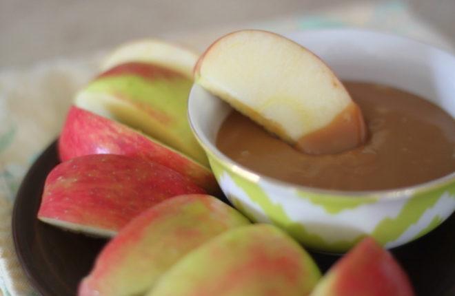 Easy Caramel Apple Dip