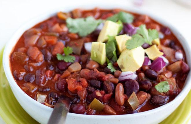 slow-cooker-easy-3-bean-chilisq
