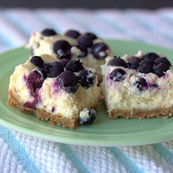 Blueberry lemon cheesecake bars | kitchentreaty.com
