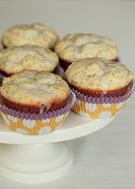 Glazed Greek yogurt lemon poppyseed muffins | kitchentreaty.com
