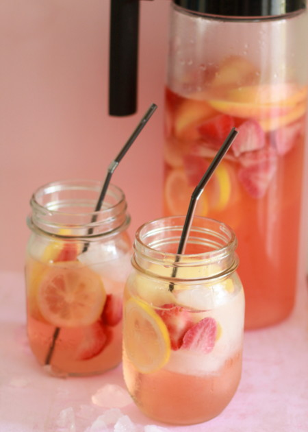 White strawberry-lemon sangria | Kitchen Treaty