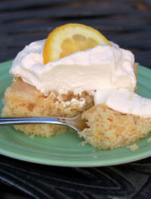 Super-moist lemon cake | kitchentreaty.com