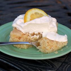 Super-moist lemon cake | kitchentreaty.com