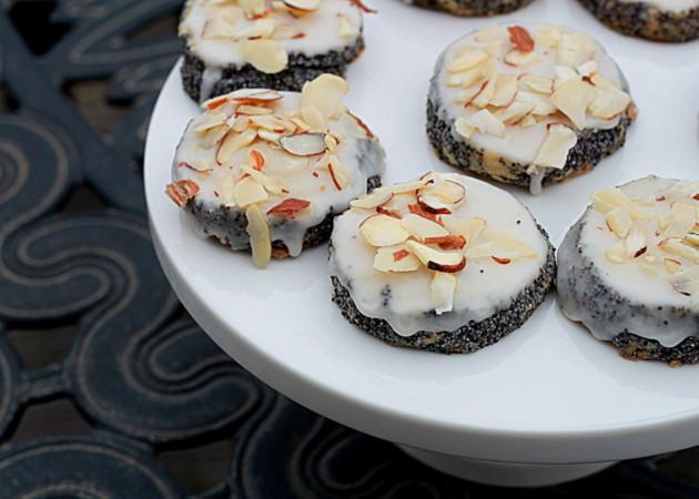 Almond poppyseed shortbread cookies   Kitchen Treaty