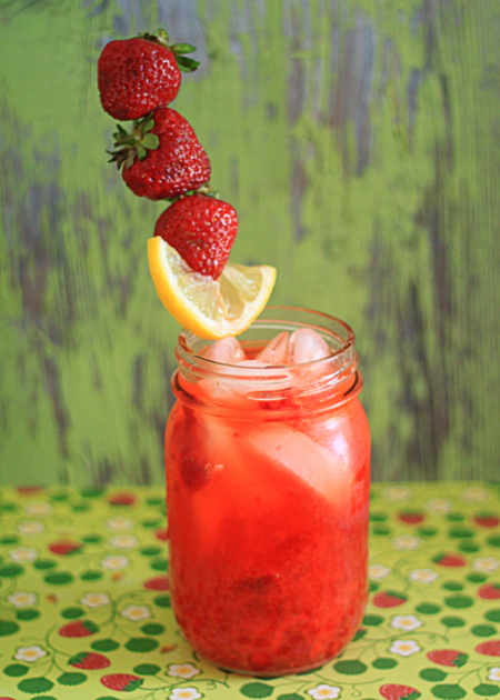 Fresh strawberry lemonade by the glass