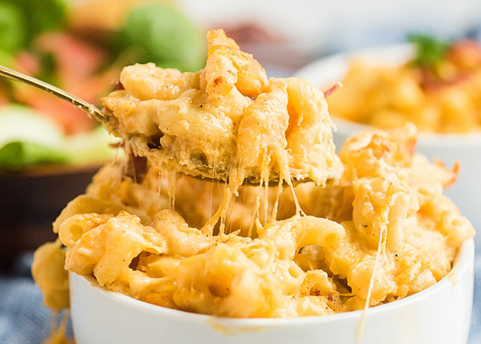 A cheesy spoonful of the best baked mac & cheese