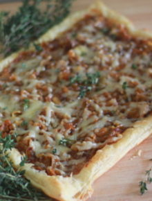 Caramelized Onion, Fig & Gruyere Tart | Kitchen Treaty