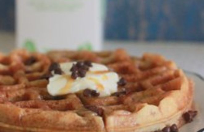 Eggnog chocolate chip waffles | Kitchen Treaty