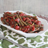 Garlicky stewed green beans and tomatoes | Kitchen Treaty