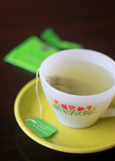 They say two or three mugs of green tea can help you burn up to 80 calories per day (which, over the course of the year, equates to at least 5 pounds lost. I'm down with that.) | Kitchen Treaty