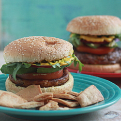 Quick and easy dinner for vegetarians and meat-eaters living together: hamburgers/veggie burgers