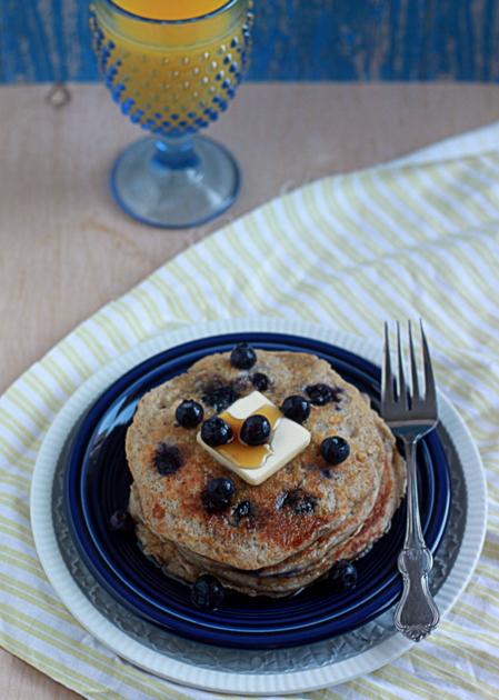 Lemon blueberry yogurt pancakes | Kitchen Treaty