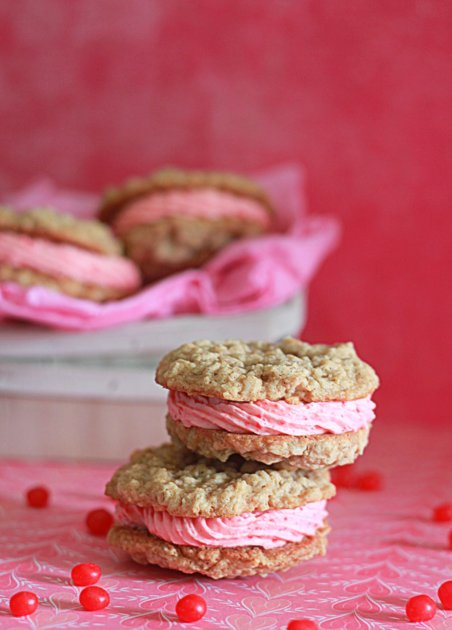 Cinnamon red hot buttercream stuffed oatmeal sandwich cookies | Kitchen Treaty