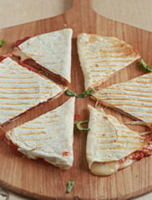 Four-cheese pizza quesadillas with optional pepperoni | Kitchen Treaty