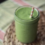 Vegan mango coconut green smoothie | Kitchen Treaty