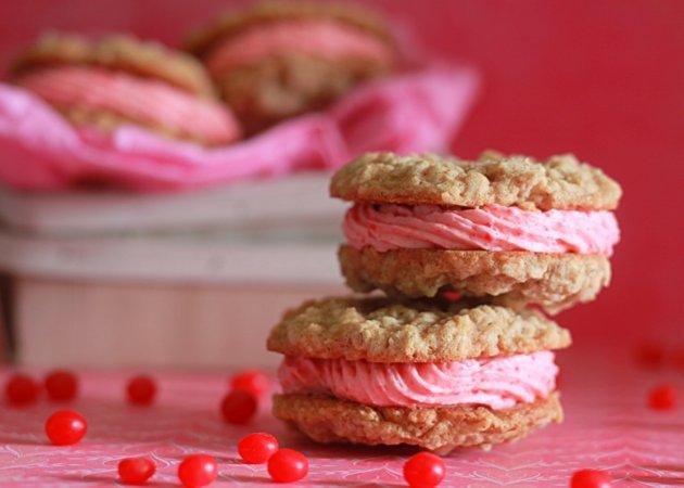 Cinnamon red hot buttercream stuffed oatmeal sandwich cookies | Kitchen Treaty