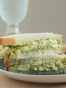 Smashed chickpea guacamole egg salad | Kitchen Treaty