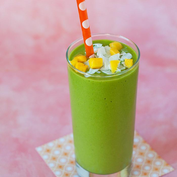 vegan-mango-coconut-green-smoothiesq