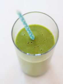 Simple 4-Ingredient Mango Green Smoothie