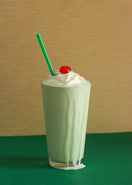 Boozy shamrock shakes | Kitchen Treaty