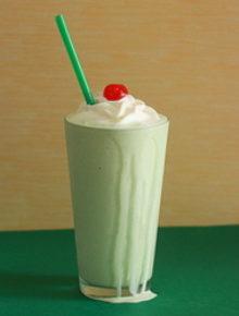 Boozy shamrock shakes | Kitchen Treaty