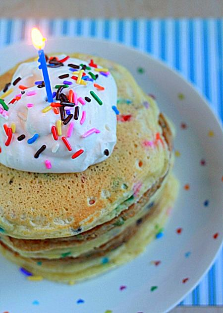 Funfetti birthday pancakes | Kitchen Treaty