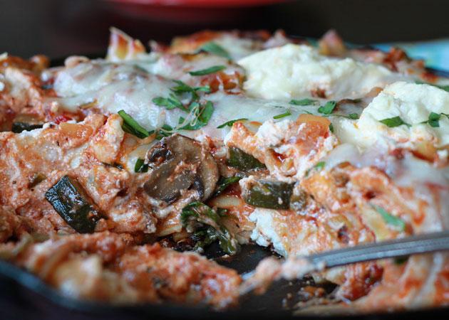 Easy cheesy veggie skillet lasagna | Kitchen Treaty