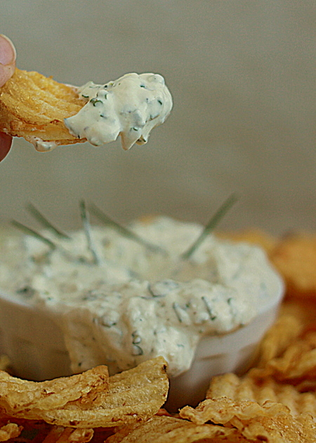 Garlicky Greek yogurt ranch dip plus tips for easy make-ahead dips | Kitchen Treaty