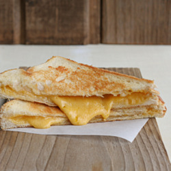 How to Make a Perfect Grilled Cheese Sandwich
