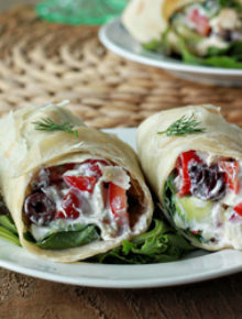 Creamy Greek salad sandwich wraps with optional chicken | Kitchen Treaty