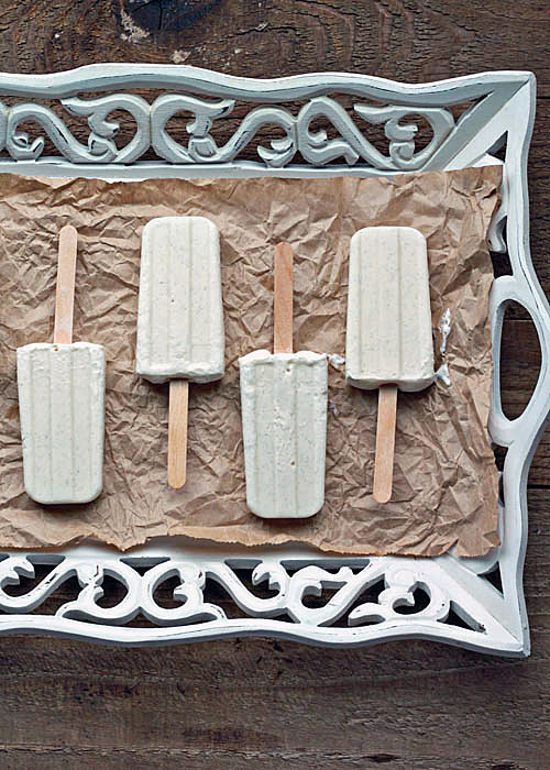 Skinny Vanilla Bean Cheesecake Popsicles {only 128 calories a pop!} | Kitchen Treaty