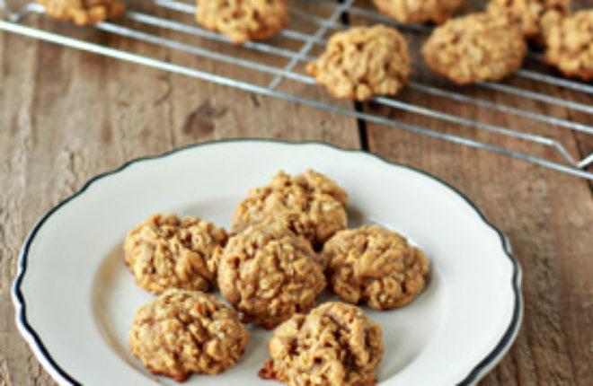 Spiced Pumpkin Oatmeal Cookies | Kitchen Treaty