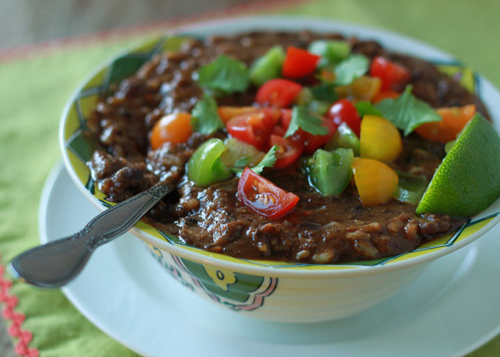 Crock Pot Vegan Black Bean & Brown Rice Soup | Kitchen Treaty