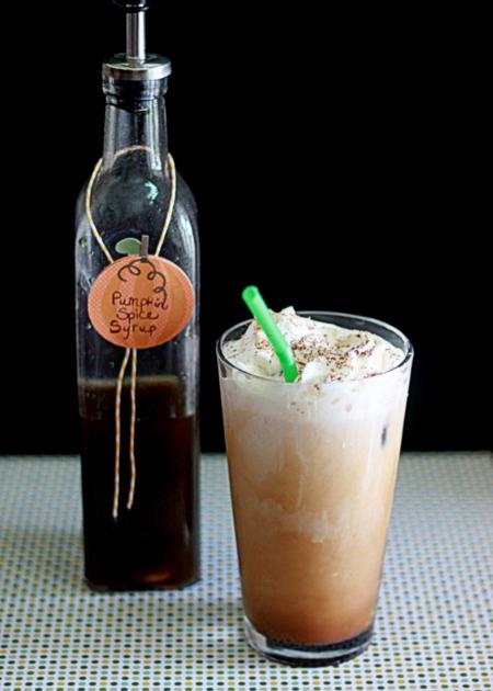 Pumpkin Spice Iced Coffee // 45 Glorious Pumpkin Breakfast Recipes | Kitchen Treaty