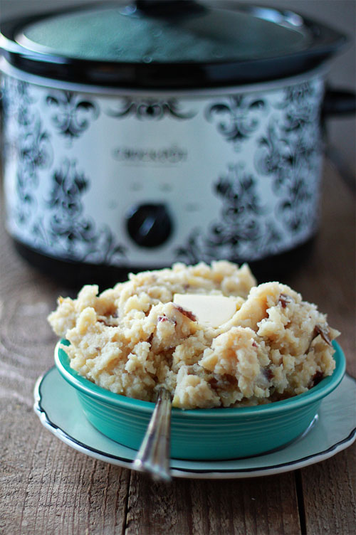 Unbelievably Easy Crock Pot Garlic Mashed Potatoes | Kitchen Treaty