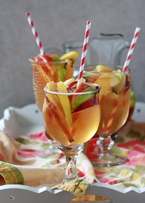 Spiced Apple Cider Sangria | Kitchen Treaty