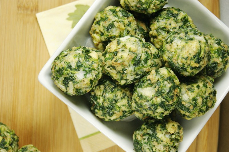 Spinach Balls from The Kitchen Is My Playground // 30 Vegetarian Recipes for Thanksgiving Leftovers | Kitchen Treaty