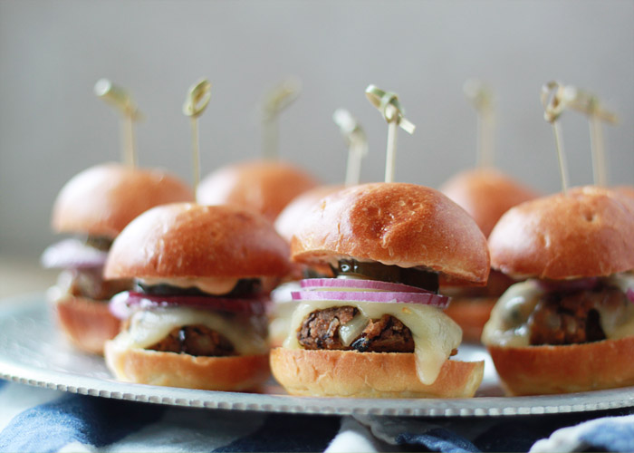 Spicy Black Bean Sliders with Chipotle Mayo from Kitchen Treaty