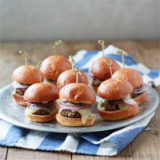 Spicy Black Bean Sliders with Chipotle Mayonnaise | kitchentreaty.com #vegetarian