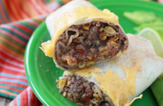 Easy Refried Bean and Cheese Burritos with Optional Chicken (perfect for freezing!) | kitchentreaty.com