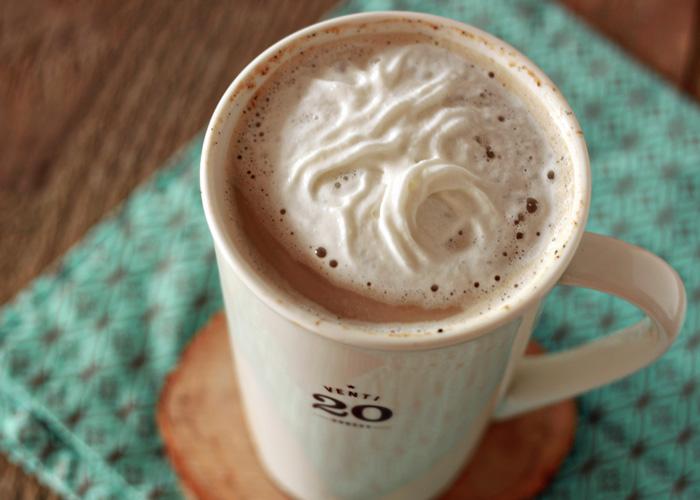 Crock Pot Vanilla Latte || 80 Vanilla Recipes That Are Anything But Plain Vanilla | Kitchen Treaty