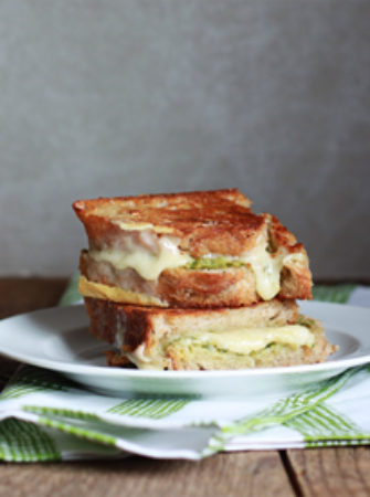 Artichoke Arugula Pesto Grilled Cheese | kitchentreaty.com